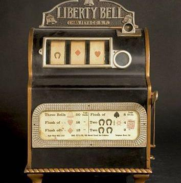 Liberty-Bell-Slot-Machine2