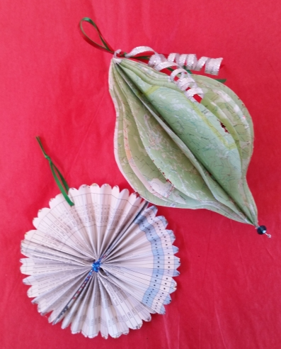 holiday-paper-ornaments-1