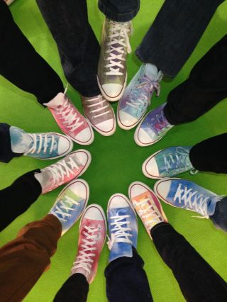 c2e97b228e2f35cf90b49fec027b7275--converse-chucks-color-spray